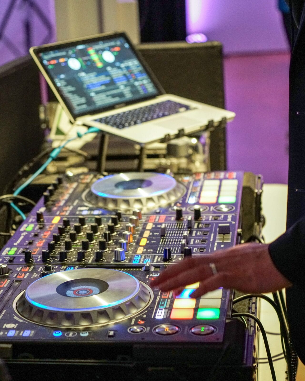 Bela Sono Music was the DJ at the District Bliss Vendor Social, a light-hearted, welcoming, casual networking event