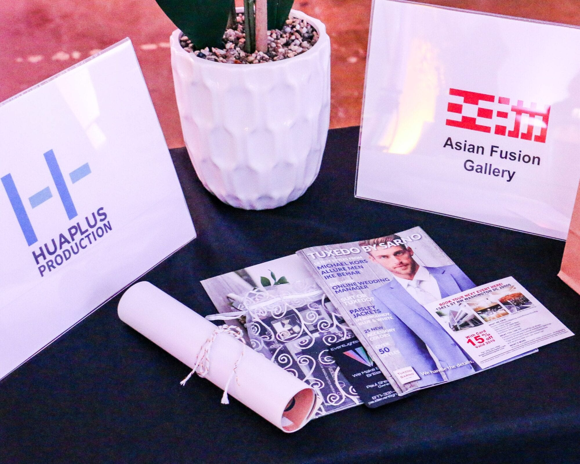 Asian Fusion Gallery in Washington DC hosted the District Bliss Vendor Social, a light-hearted, welcoming, casual networking event